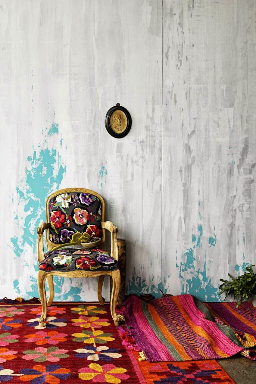 bohemian-interiors-white-wall-red-rug-920x1380